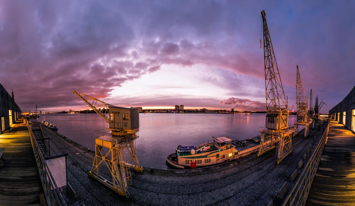 Oude havenkranen